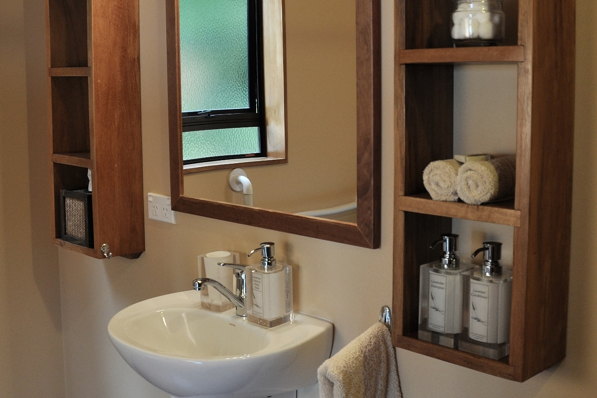 Beachfront Studio bathroom | Adrift in Golden Bay